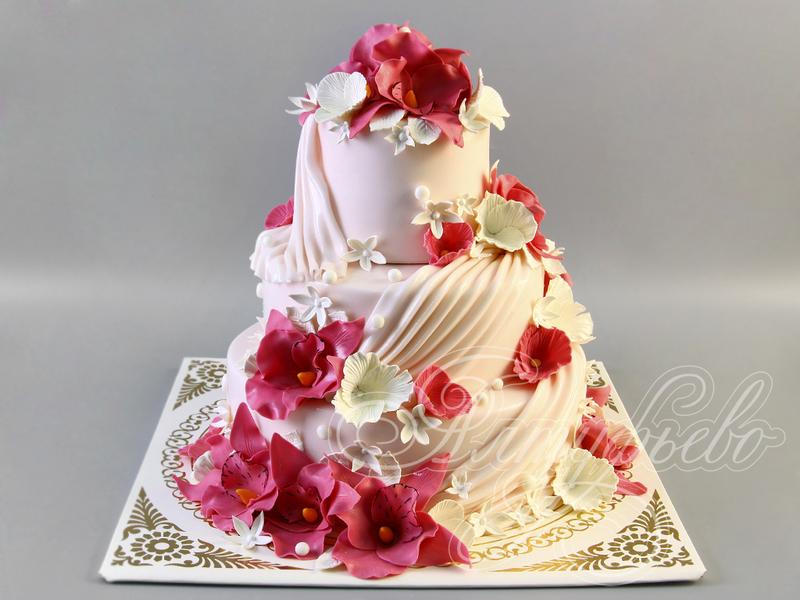 Красивый свадебный торт с фото